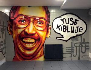 kwadratowa_wc_tuse_kibluje_net