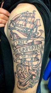 bedrzowy_statek_tattoo